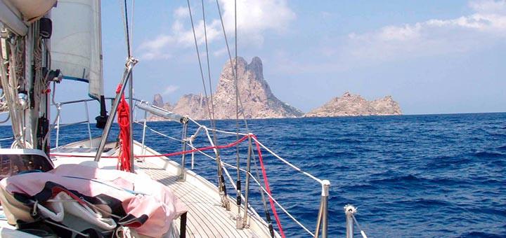 Alquiler de barcos en Ibiza con aBoatTime