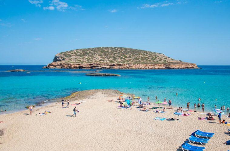 Cala Comte en Ibiza, la mejor cala de toda la isla